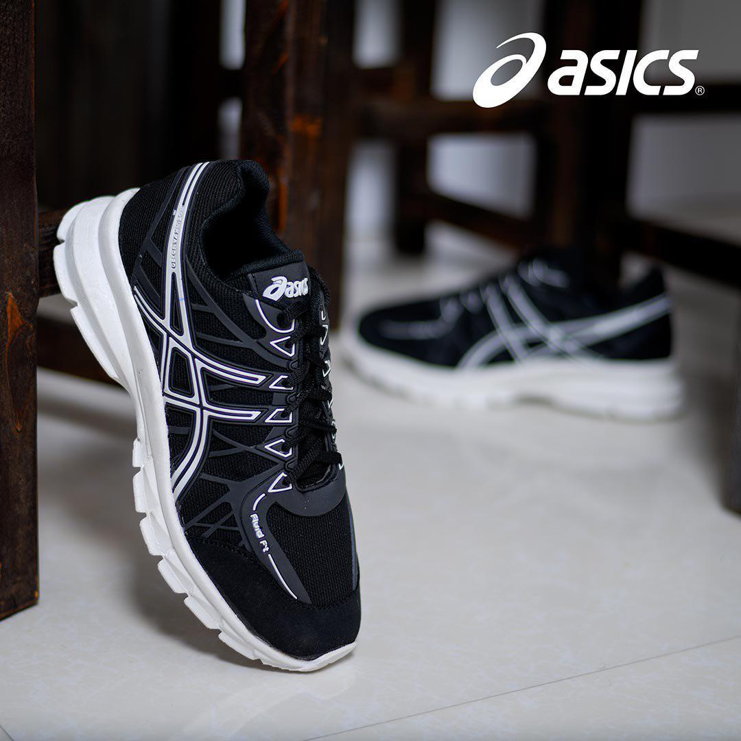کفش مردانه Asics مدل Wins (مشکی)