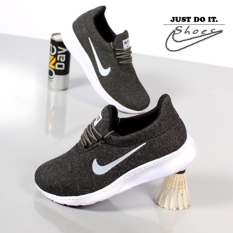 کفش مردانه Nikeمدل Deka (طوسی)